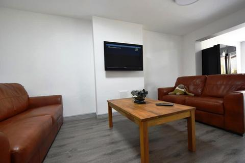 5 bedroom terraced house to rent - Very Spacious 5 Bedroom Student House on Frederick Road Selly Oak