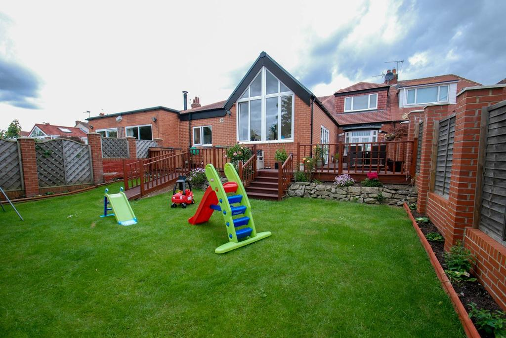 3 Bedrooms Bungalow for sale in Readhead Road, South Shields