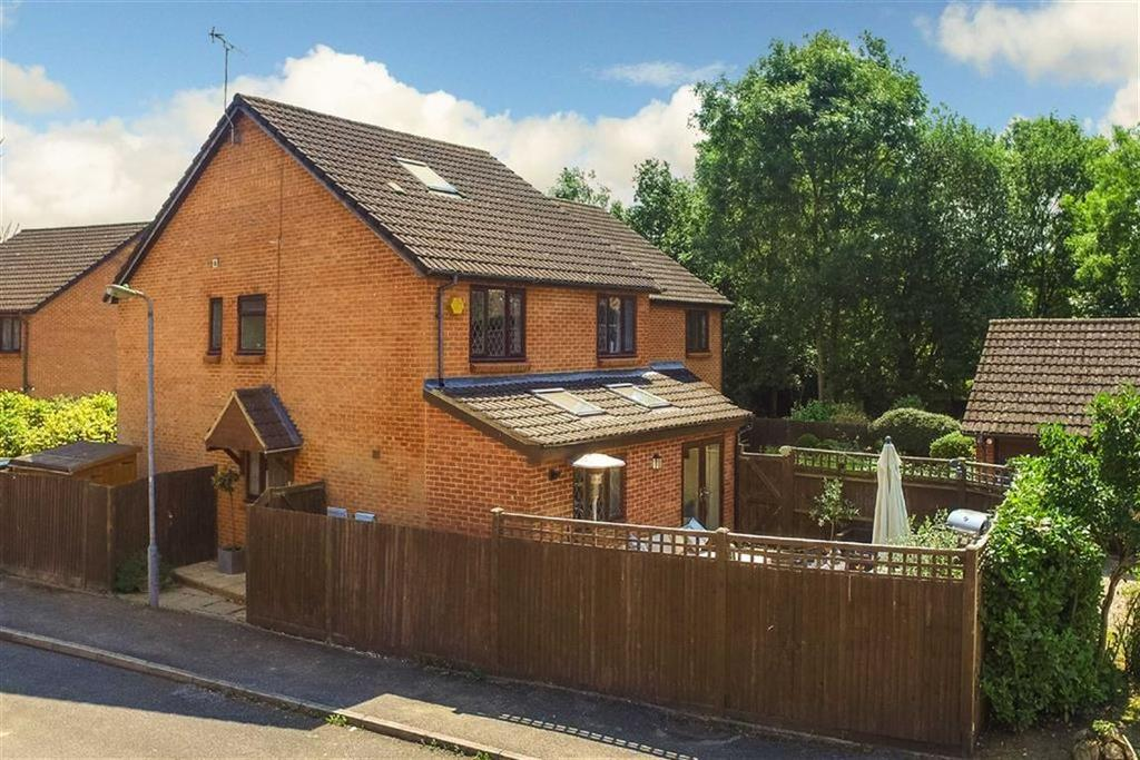 5 Bedrooms Detached House for sale in St Yon Court, St Albans, Hertfordshire