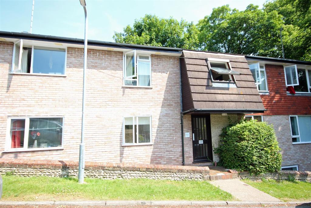 2 Bedrooms Flat for sale in Leahurst Court Road, Preston Park, Brighton