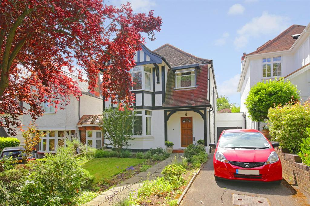 4 Bedrooms Detached House for sale in Hillway, Highgate, London