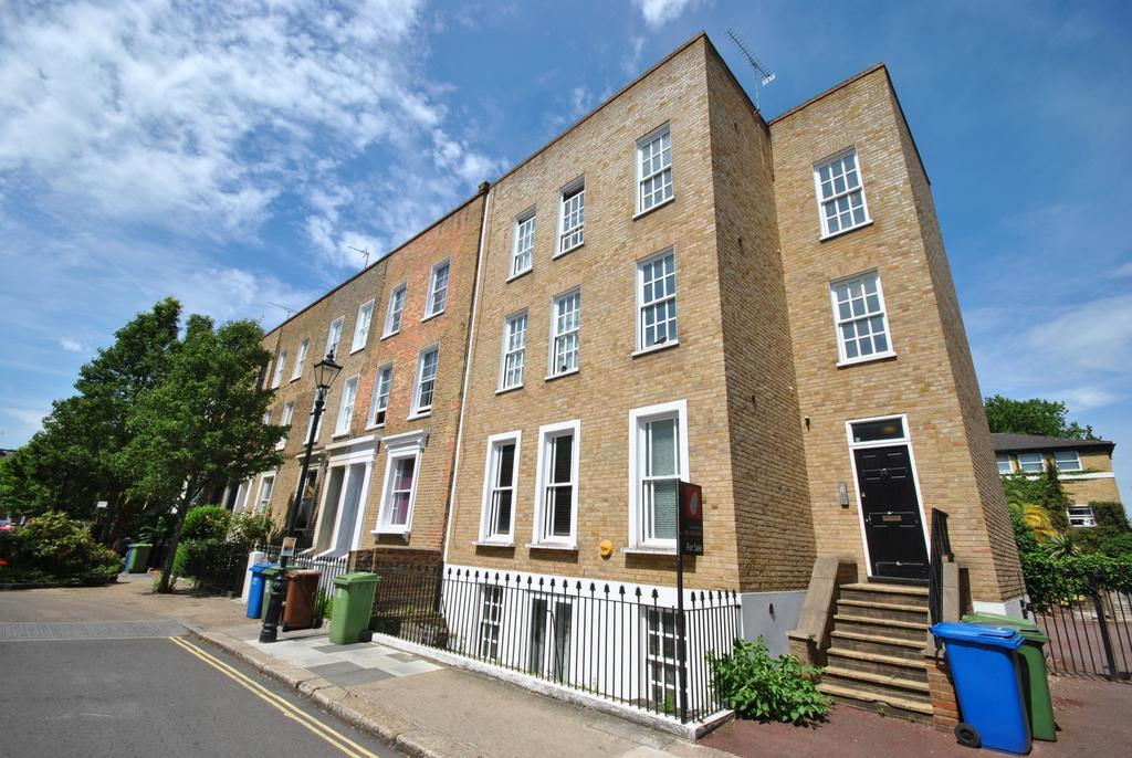 1 Bedroom Flat for sale in Sutherland Square Walworth SE17
