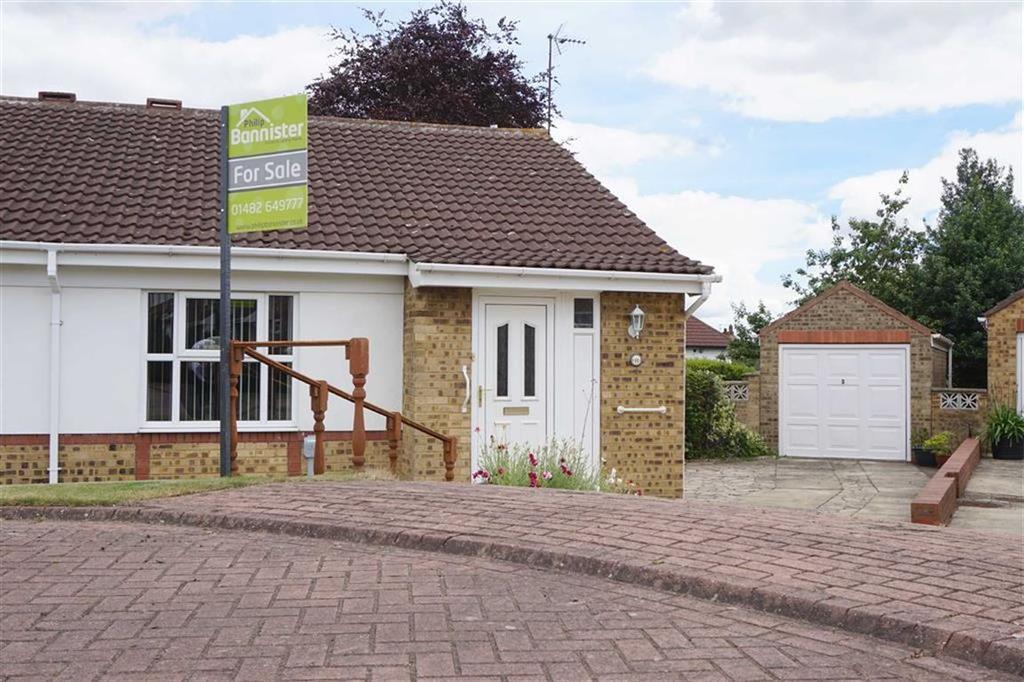 2 Bedrooms Semi Detached Bungalow for sale in Thornton Close, Hessle, Hessle, HU13
