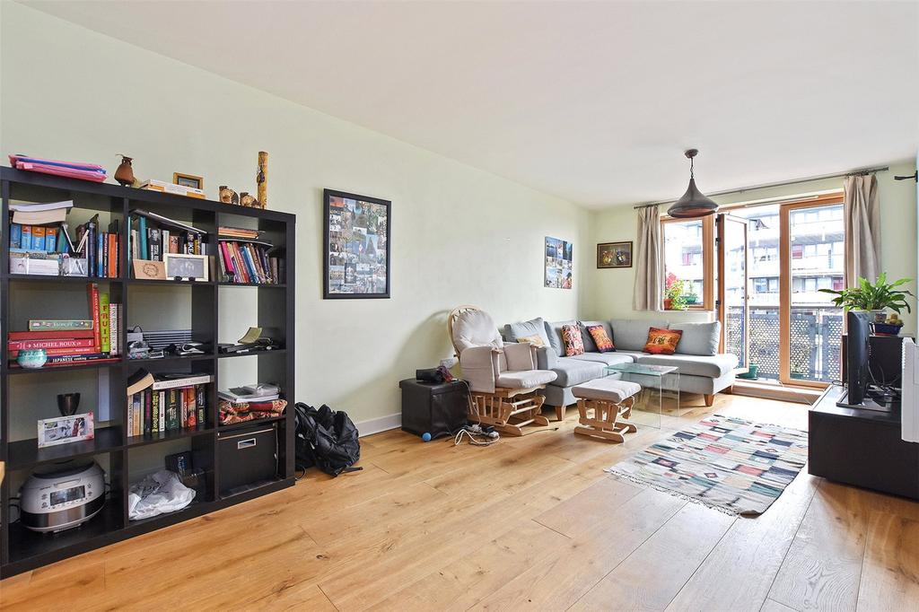 2 Bedrooms Apartment Flat for sale in Leamore Court, Meath Crescent, London, E2