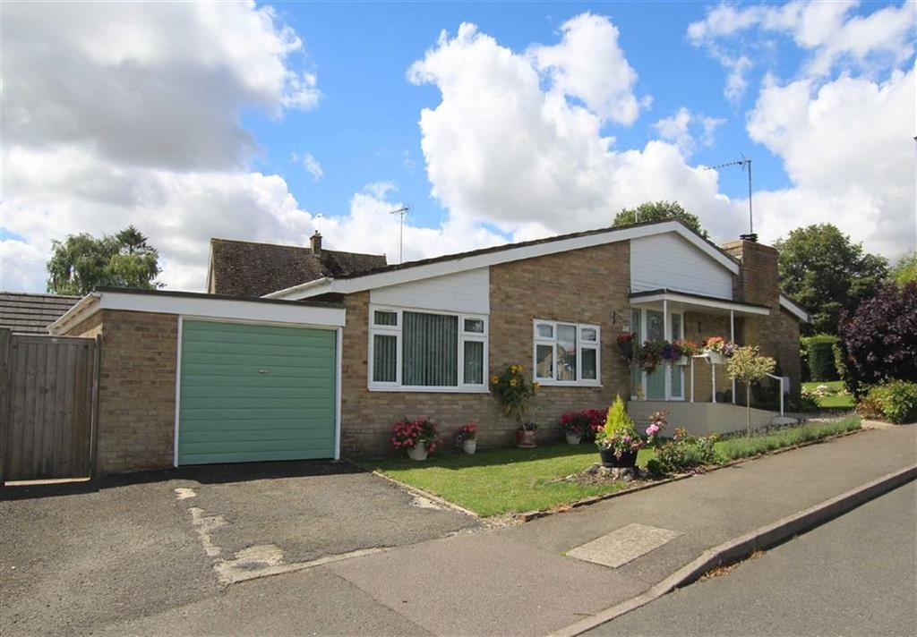 3 Bedrooms Bungalow for sale in 145, High Street, Brackley