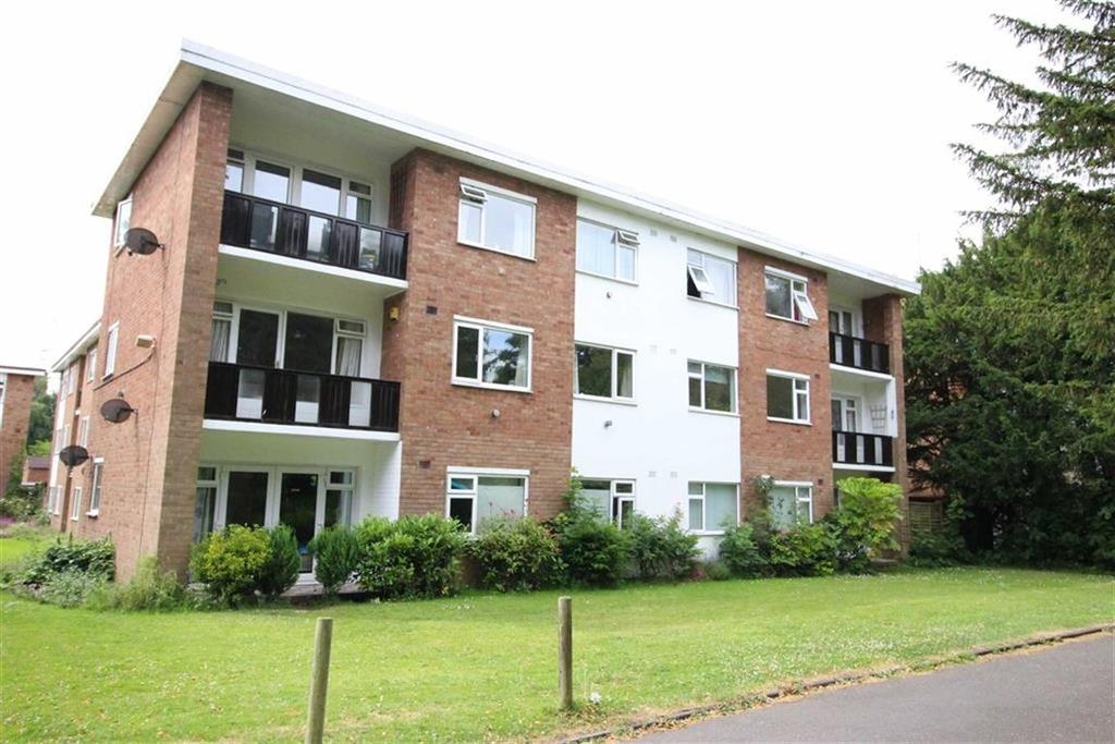 2 Bedrooms Flat for sale in Hanover Gardens, Upper Holly Walk, Leamington Spa, CV32
