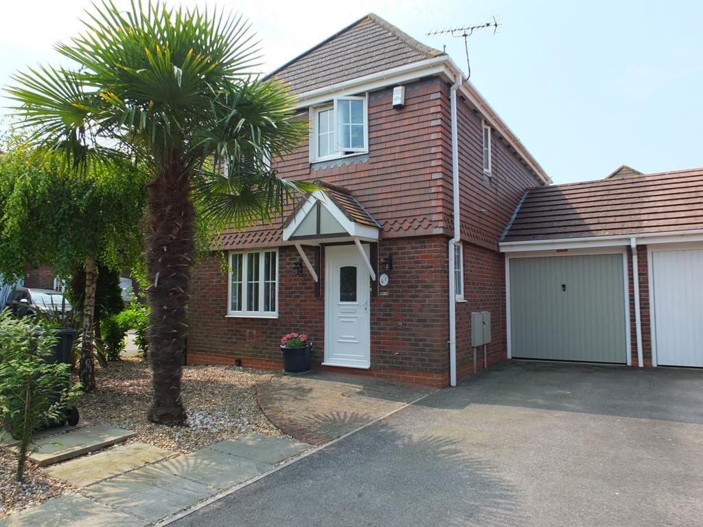 3 Bedrooms House for sale in The Rowans, Burgess Hill, RH15