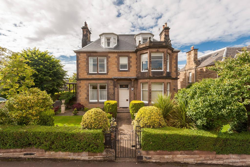 4 Bedrooms Flat for sale in 41 Granby Road, Newington, EH16 5NP