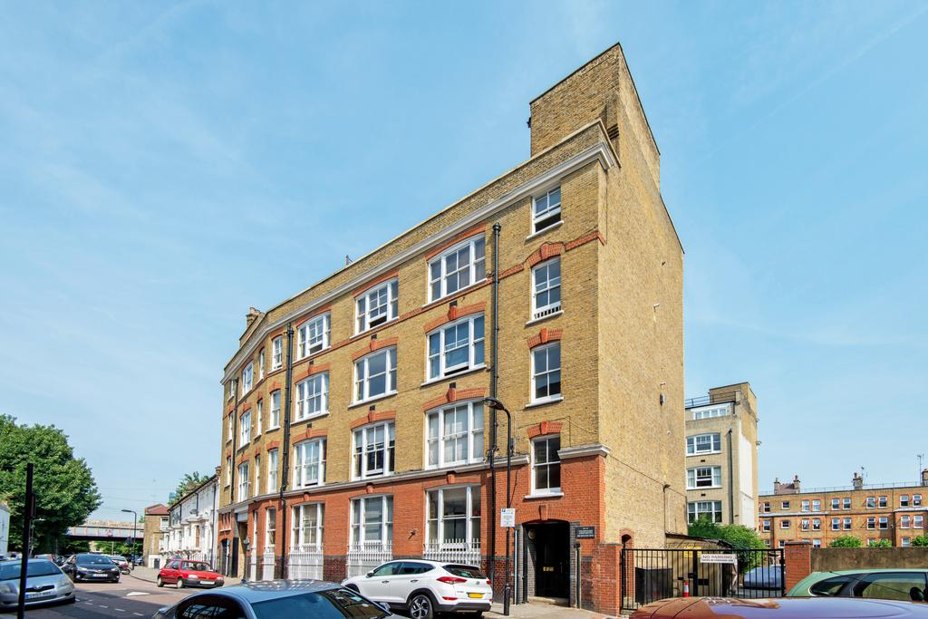1 Bedroom Apartment Flat for sale in The Colonnades, Wilton Way, Hackney, London E8