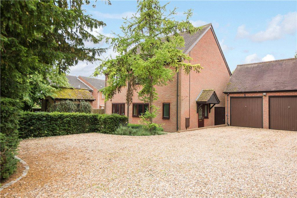 4 Bedrooms Detached House for sale in Rectory Gardens, Church Lane, Edgcott, Buckinghamshire