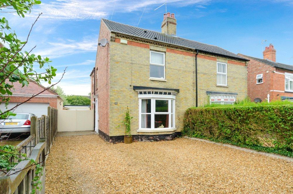 4 Bedrooms Semi Detached House for sale in North Road, Bourne, Lincolnshire, PE10