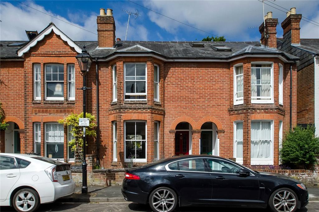 3 Bedrooms Terraced House for sale in Egbert Road, Winchester, Hampshire, SO23