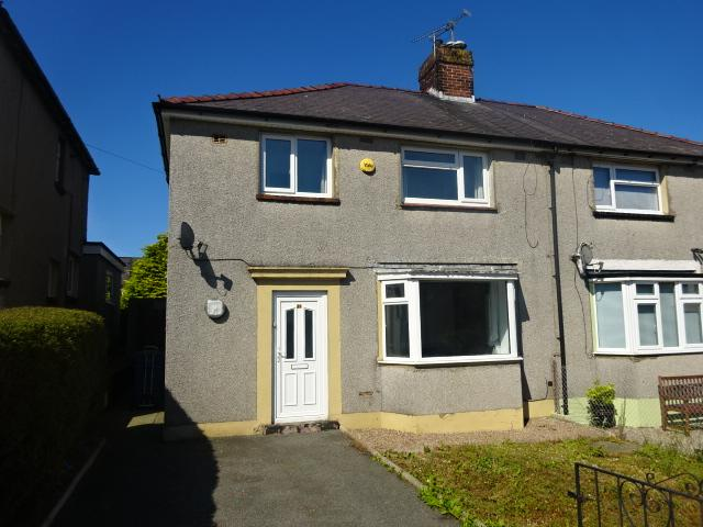 3 Bedrooms Semi Detached House for sale in FFORDD COED MAWR, BANGOR LL57