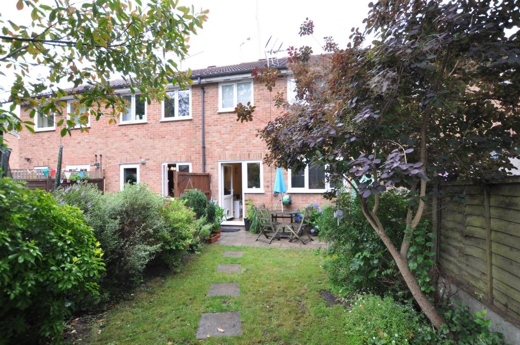1 Bedroom Maisonette Flat for sale in Hampden Close, North Weald, CM16