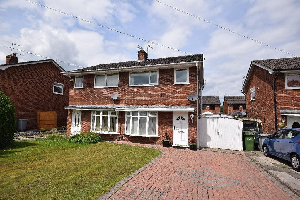 3 Bedrooms Semi Detached House for sale in Mallard Crescent, Poynton