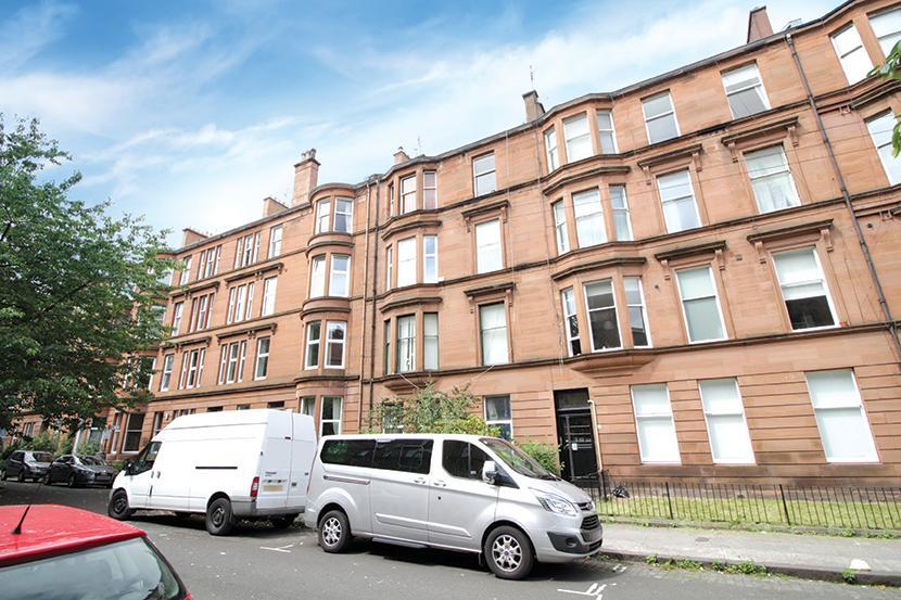 2 Bedrooms Flat for sale in 8 Dunearn Street, Woodlands, G4 9EF