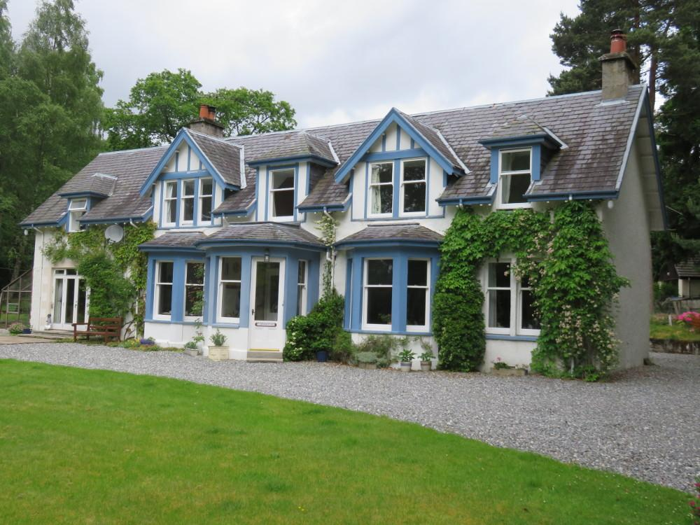 5 Bedrooms Detached House for sale in Caberfeidh, Speybank Walk, Kingussie PH21 1QB