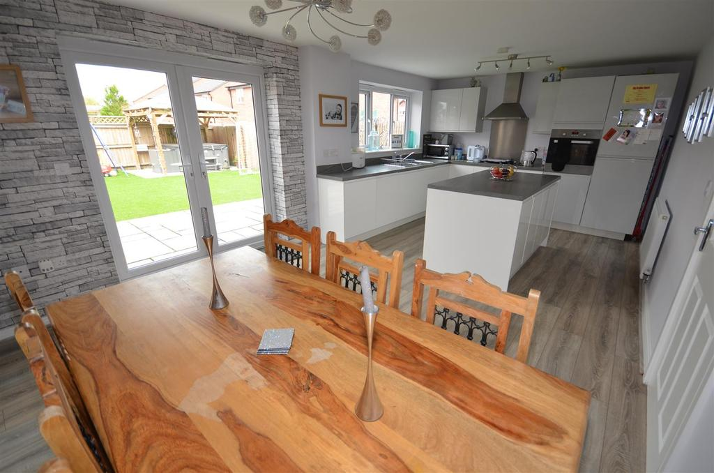 4 Bedrooms Detached House for sale in Bailey Way, St. Helens