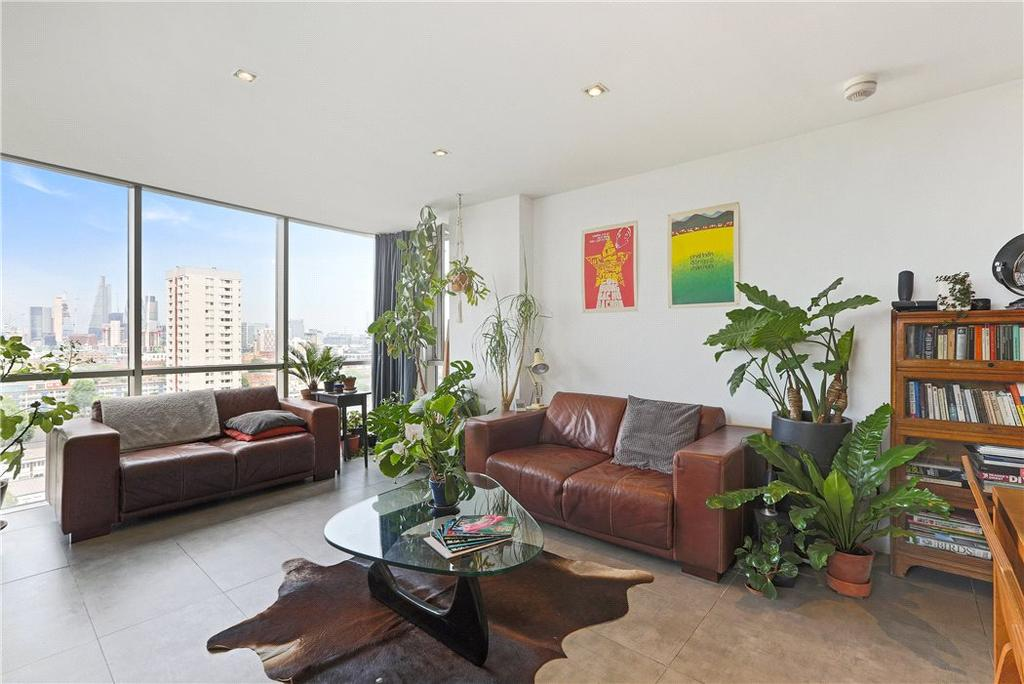 2 Bedrooms Flat for sale in Kelday Heights, 2 Spencer Way, Aldgate, London, E1
