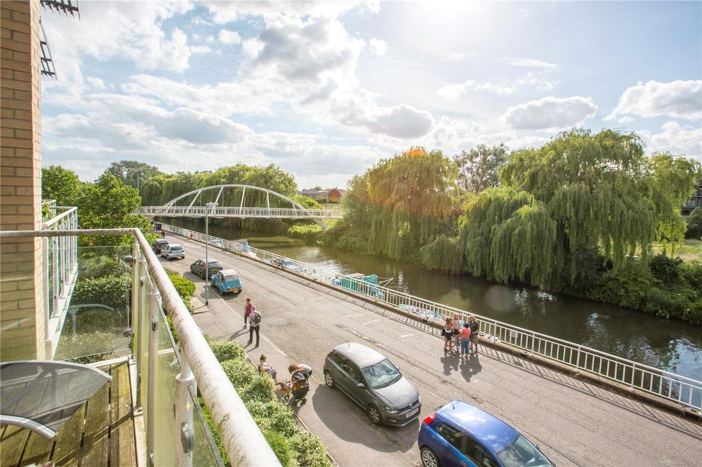 2 Bedrooms Flat for sale in Water View, Riverside, Cambridge, CB5