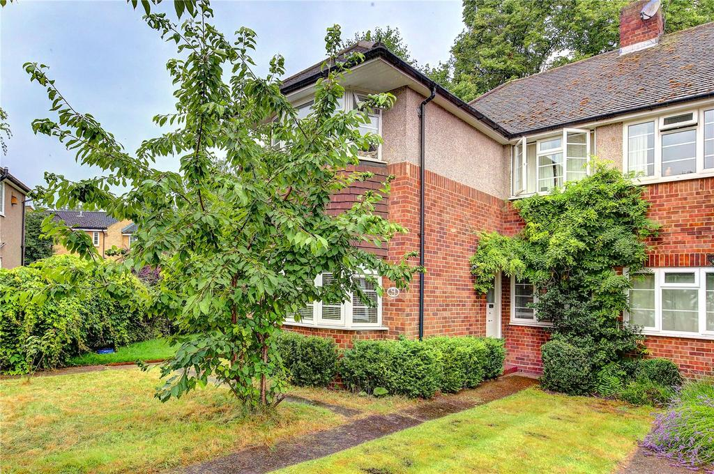 3 Bedrooms Maisonette Flat for sale in Cusack Close, Twickenham, TW1