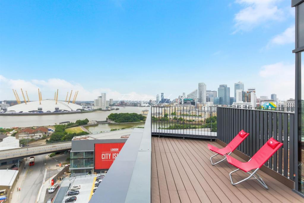 2 Bedrooms Flat for sale in London City Island, E14