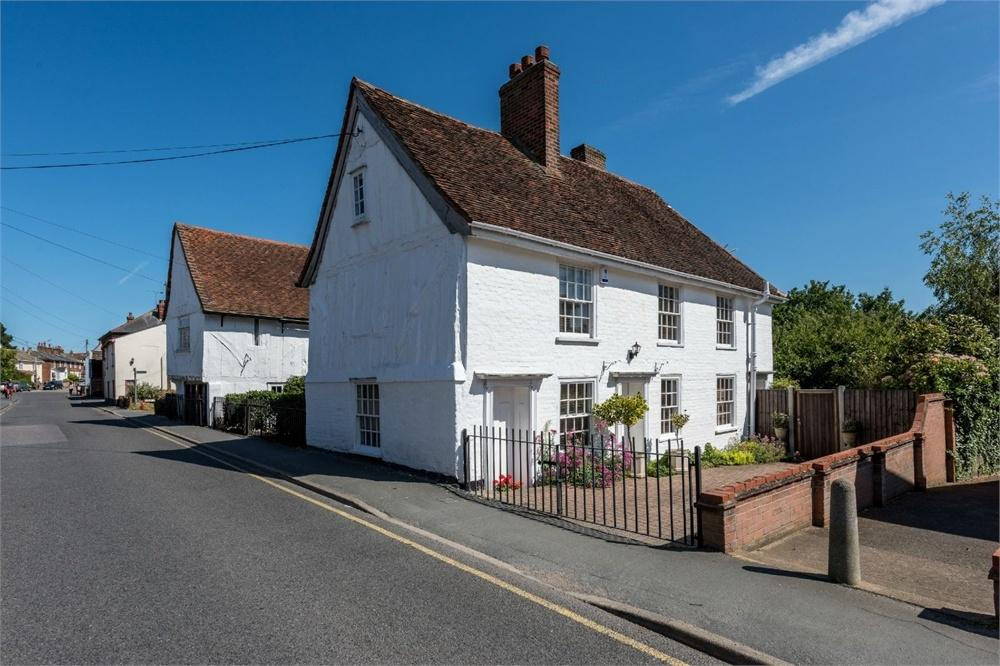 3 Bedrooms Semi Detached House for sale in High Street, Brightlingsea, COLCHESTER, Essex