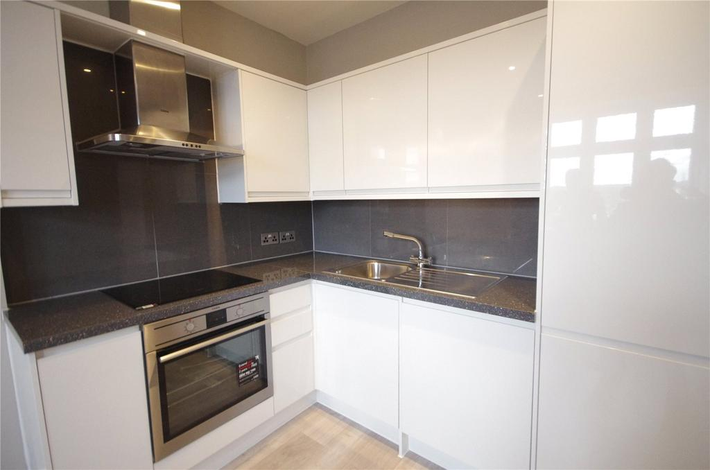 1 Bedroom Apartment Flat for sale in Red Lion Court, Watford, Hertfordshire, WD18