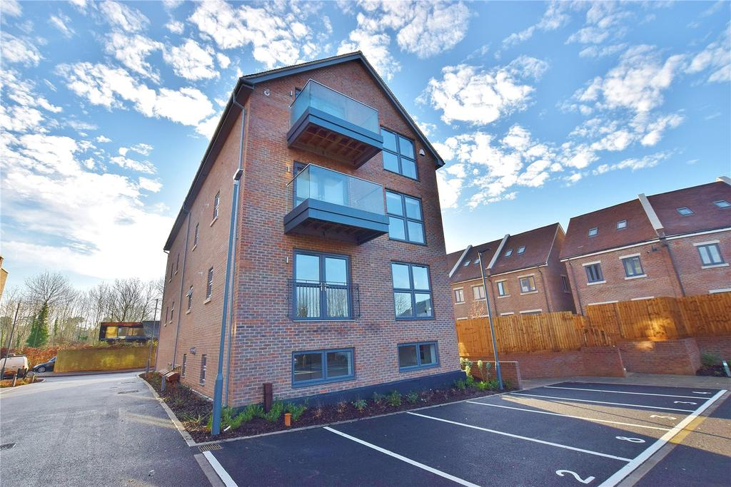 1 Bedroom Apartment Flat for sale in Windmill Place, Bushey Heath, Bushey Heath, Hertfordshire, WD23