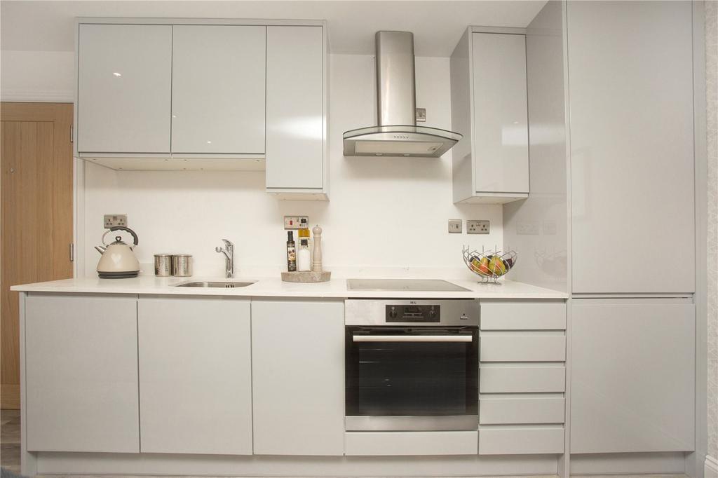 1 Bedroom Apartment Flat for sale in Marlborough Road, Watford, Hertfordshire, WD18