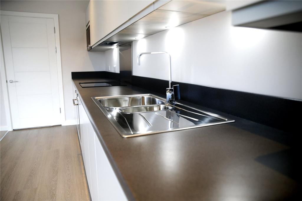 2 Bedrooms Apartment Flat for sale in St. Albans Road, Watford, Hertfordshire, WD24