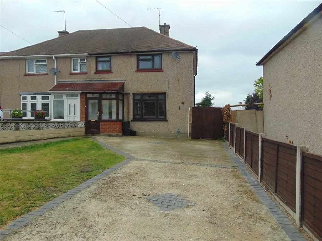 3 Bedrooms Semi Detached House for sale in Sayes Court Road, Orpington, Kent