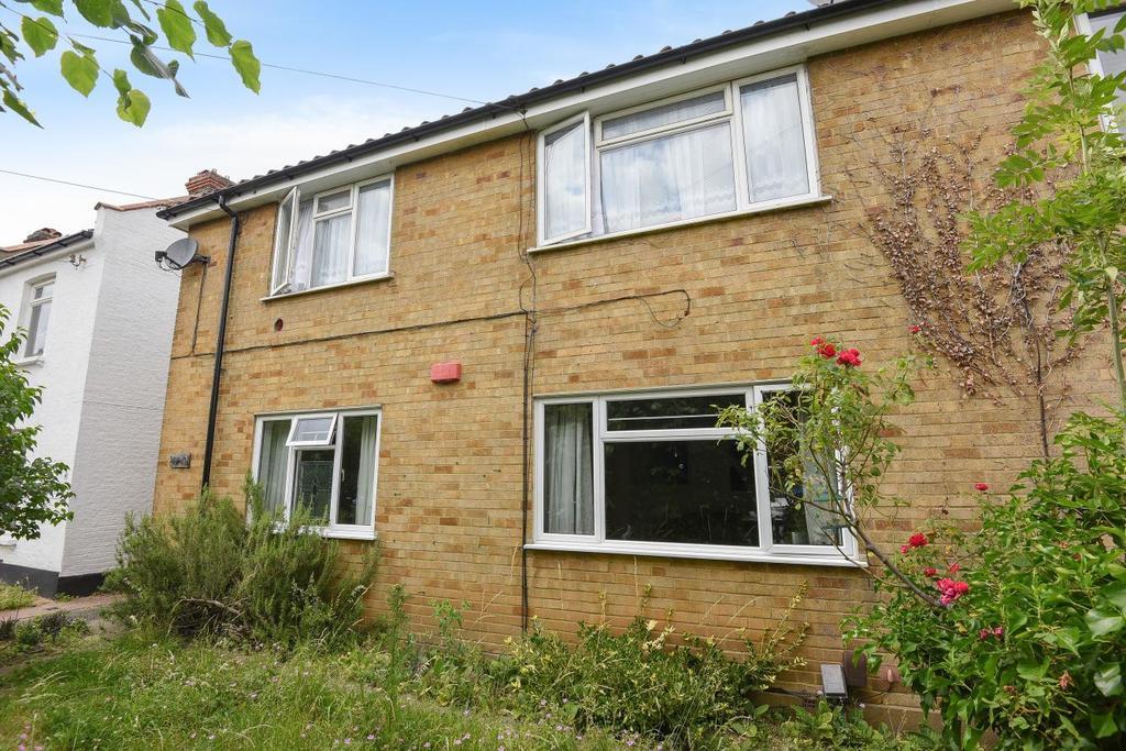 2 Bedrooms Maisonette Flat for sale in Thayers Farm Road, Beckenham