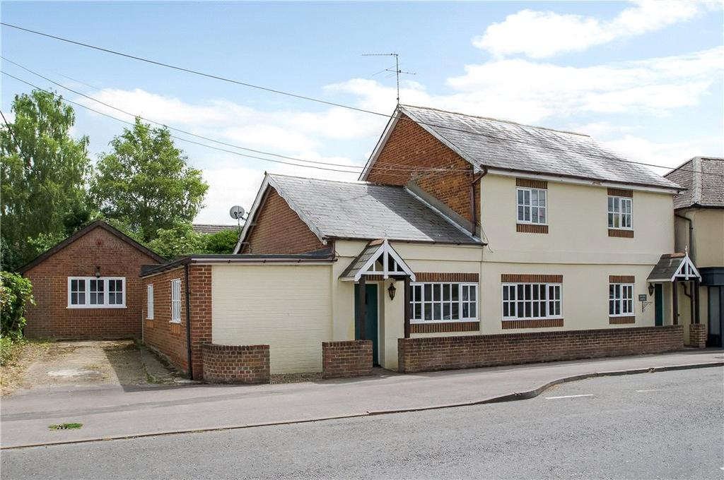 5 Bedrooms Detached House for sale in Oxford Road, Sutton Scotney, Winchester, Hampshire, SO21