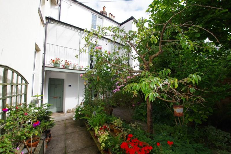 4 Bedrooms Terraced House for sale in Regent Gardens, Teignmouth