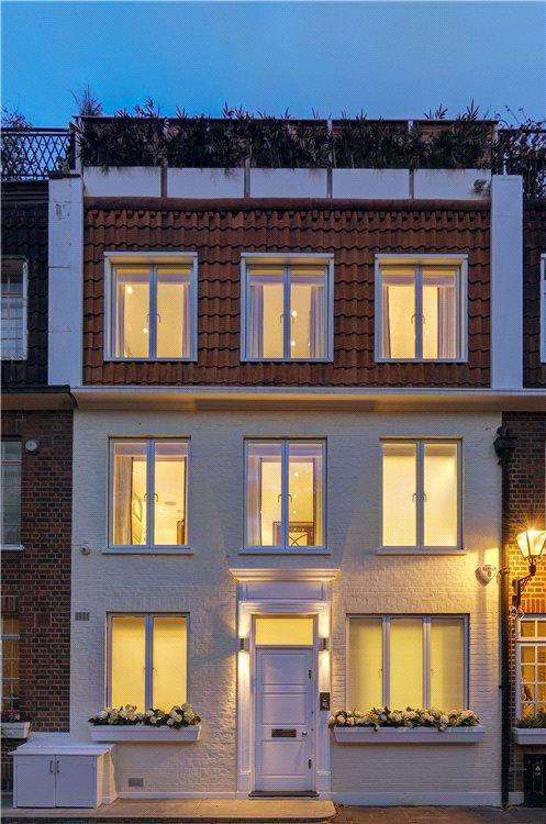 3 Bedrooms Mews House for sale in Stanhope Mews East, South Kensington, London, SW7