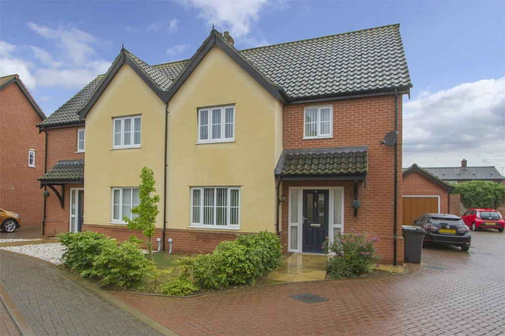 3 Bedrooms Semi Detached House for sale in Copsey Walk, Dereham, Norfolk