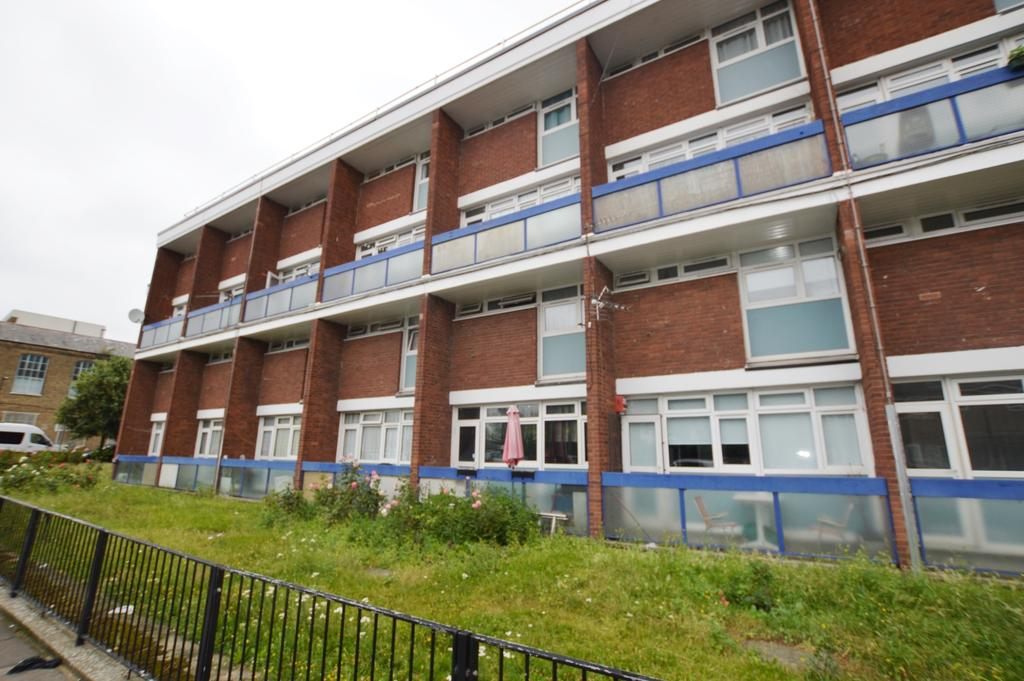 2 Bedrooms Flat for sale in Glengall Road Peckham SE15
