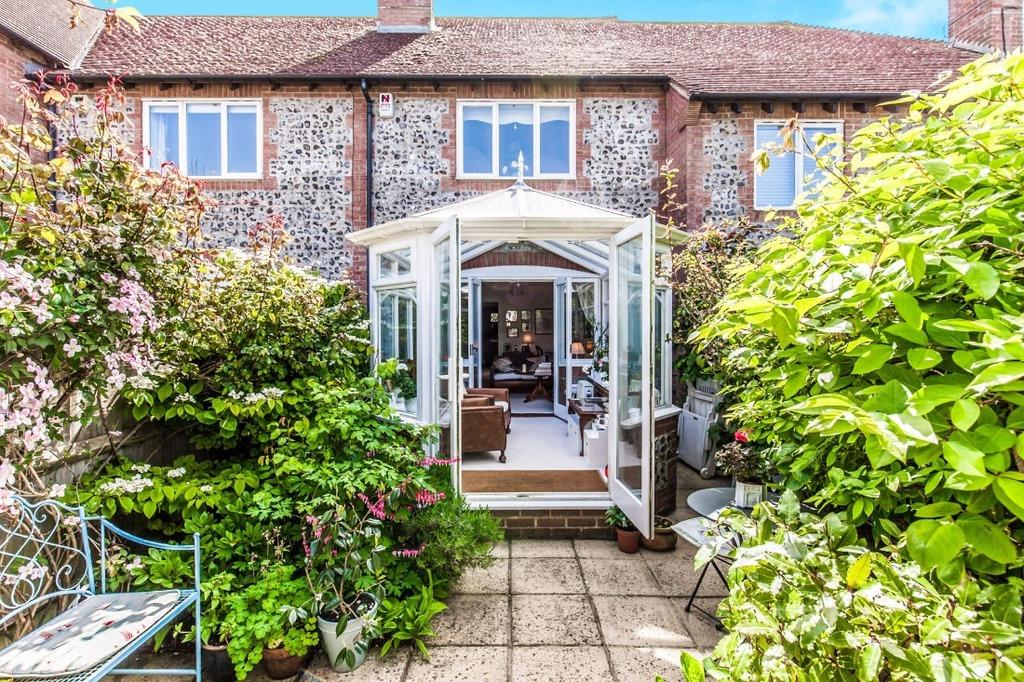 2 Bedrooms Terraced House for sale in Ovingdean Road Ovingdean East Sussex BN2