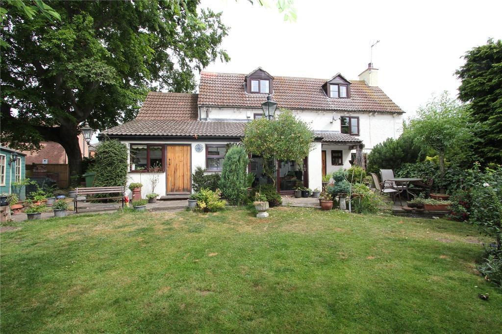 3 Bedrooms Detached House for sale in Askham, Newark, Nottinghamshire