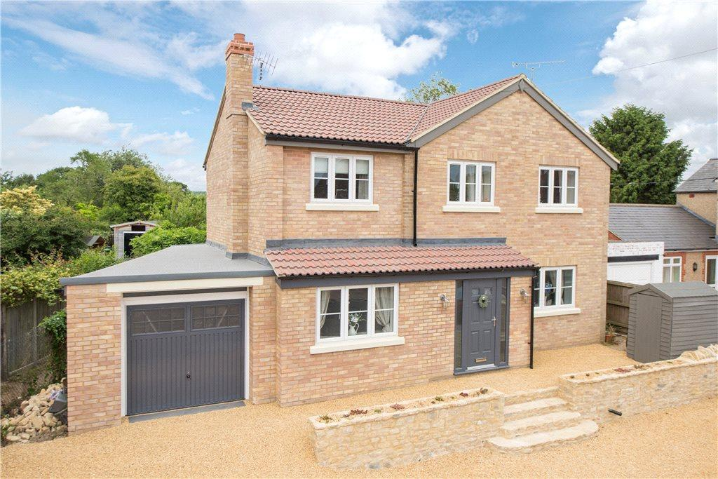 4 Bedrooms Detached House for sale in High Street, Harrold, Bedford, Bedfordshire