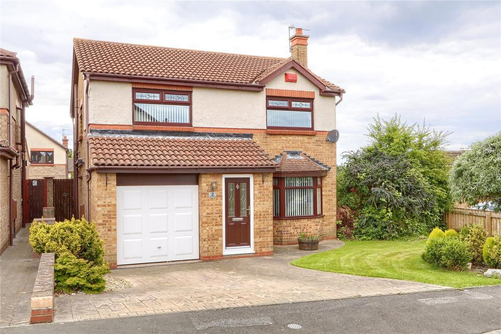 4 Bedrooms Detached House for sale in Endeavour Drive, Ormesby