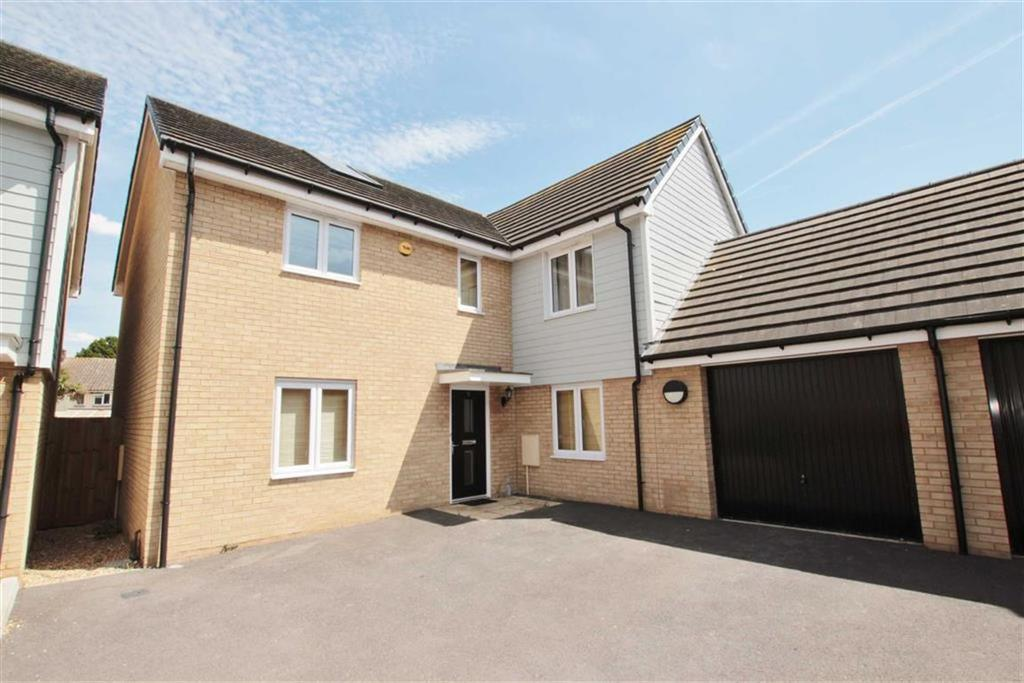 4 Bedrooms Detached House for sale in Elms Court, Westcliff-On-Sea, Essex