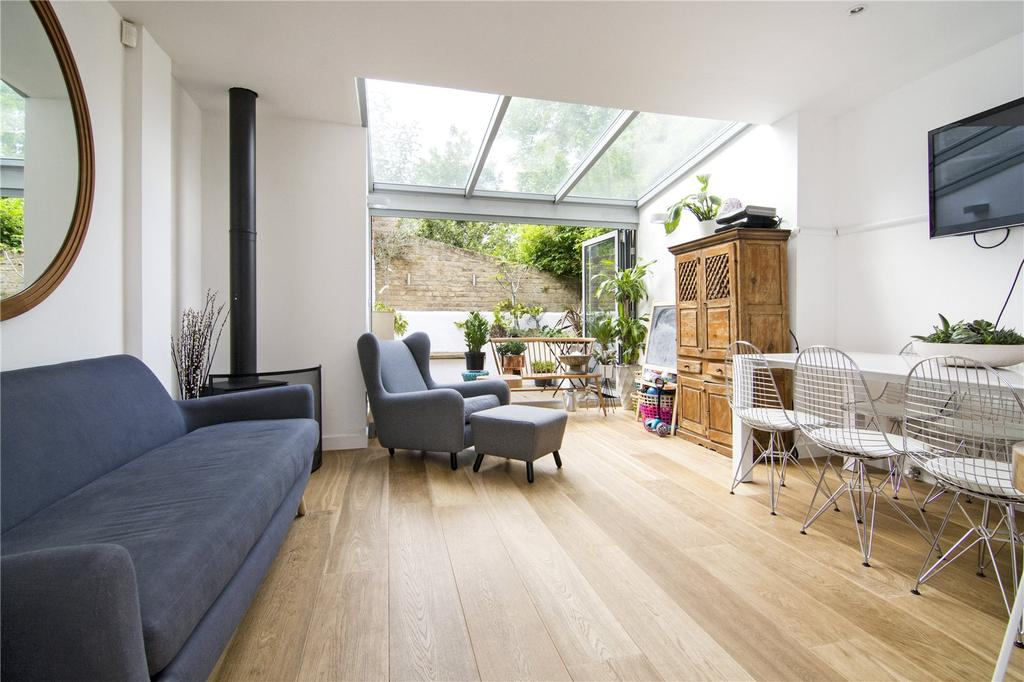 3 Bedrooms House for sale in St. David's Mews, Morgan Street, London, E3