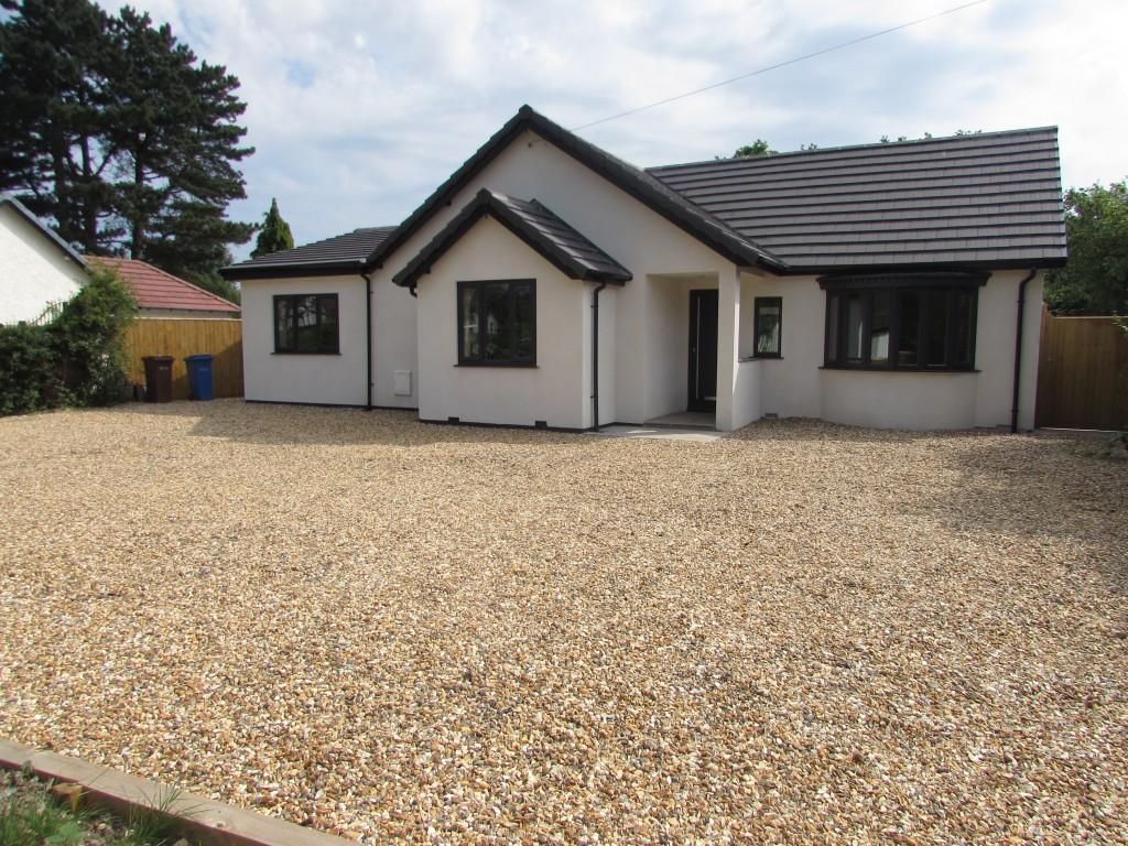 4 Bedrooms Detached Bungalow for sale in Styal Road, Heald Green, Stockport