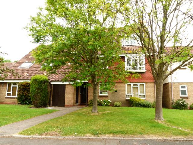 2 Bedrooms Flat for sale in Compton Drive,Streetly,Sutton Coldfield