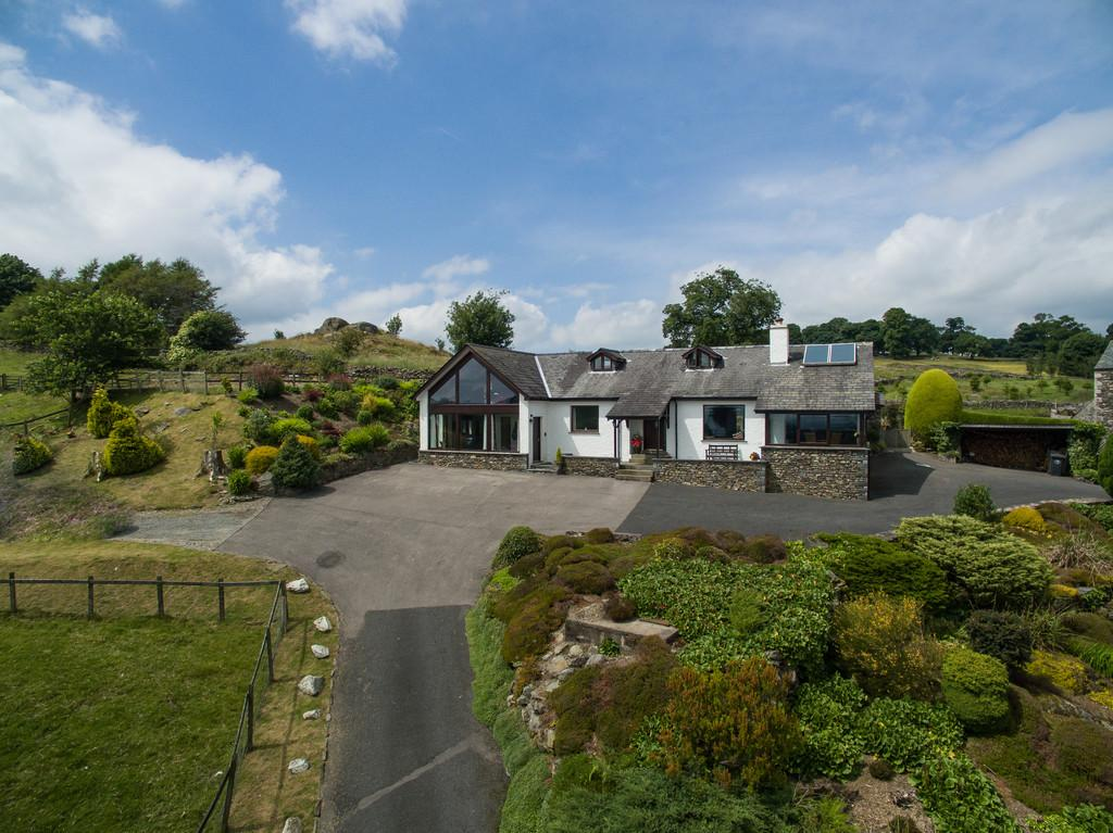 4 Bedrooms Detached House for sale in Glen Rowan, Crook, Kendal, Cumbria LA8 9HT