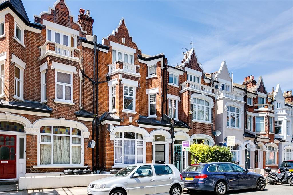 2 Bedrooms Flat for sale in Marjorie Grove, Battersea, London