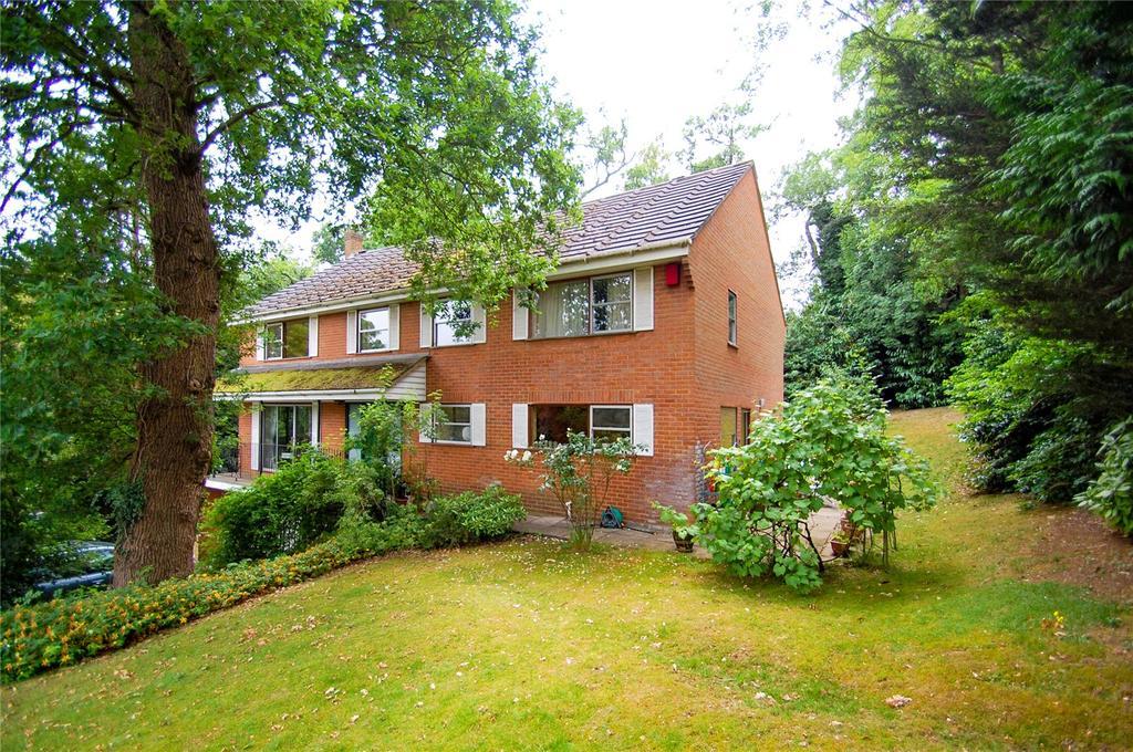 5 Bedrooms Detached House for sale in Mill Lane, Gerrards Cross, Buckinghamshire