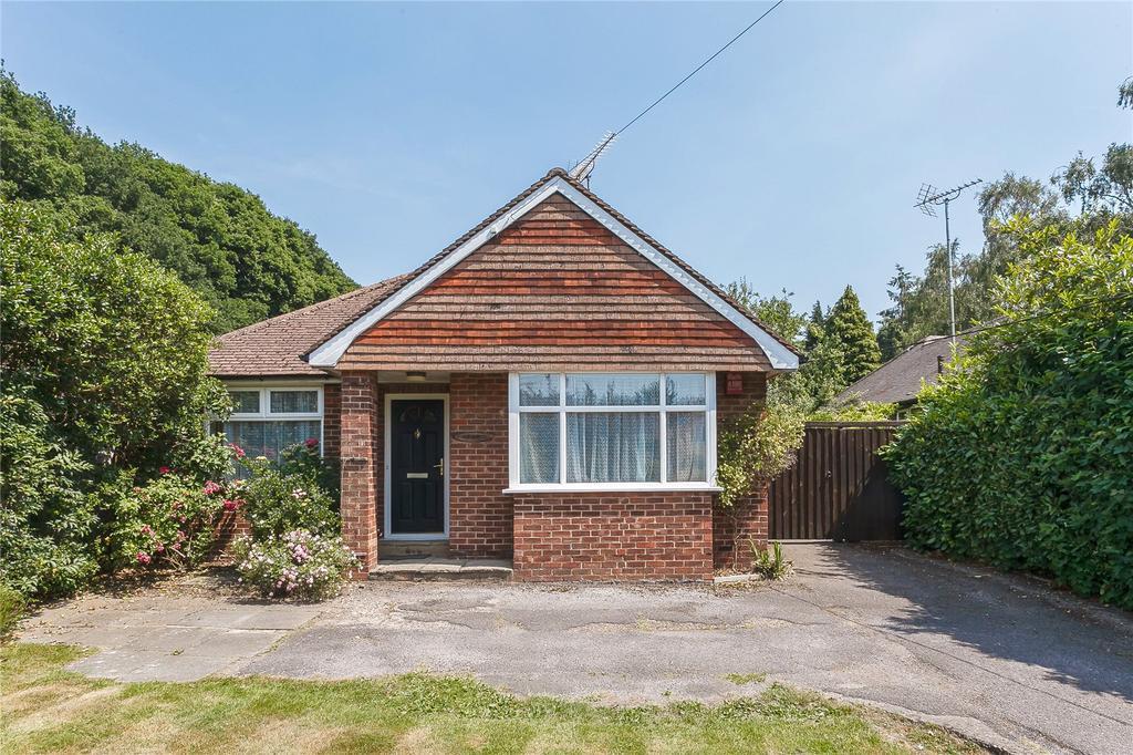 2 Bedrooms Detached Bungalow for sale in Thorndown Lane, Windlesham, Surrey